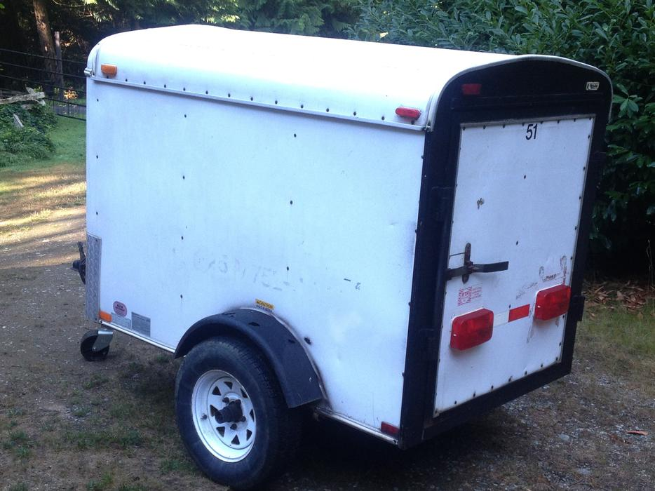 4x6 enclosed cargo trailer $1000 cash today! Central ...
