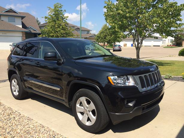 jeep grand cherokee 26500km 5 7 v8 hemi warrenty east. Black Bedroom Furniture Sets. Home Design Ideas