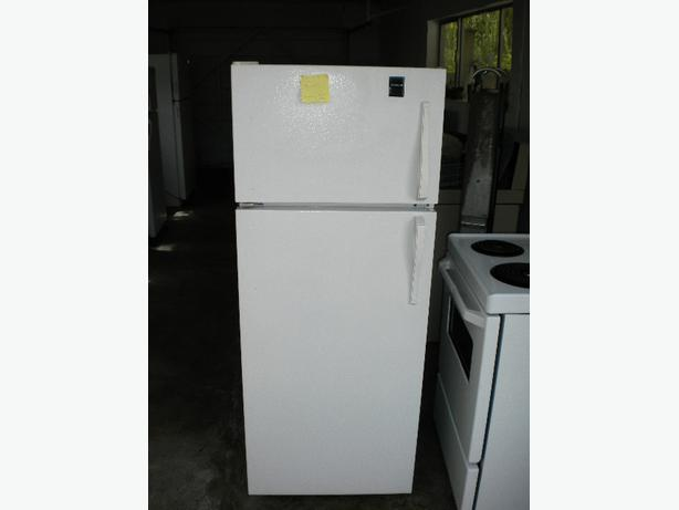 Immaculate 12 cu ft white Admiral apartment size refrigerator ...