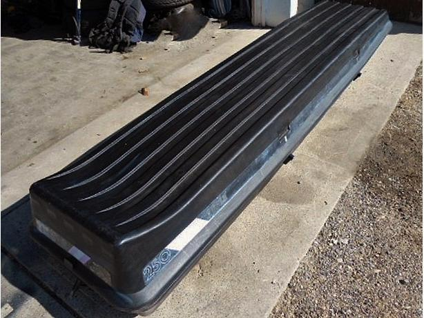 THULE 250 ROOF TOP CARGO CARRIER North East, Calgary