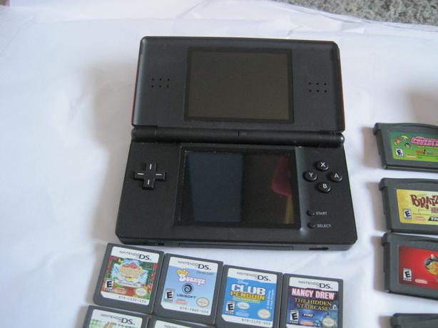 gameboy advanced sp nintendo ds and games duncan cowichan mobile. Black Bedroom Furniture Sets. Home Design Ideas