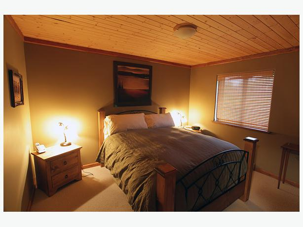 Suite above garage for rent in sooke avail jan 1 sooke for Suite above garage