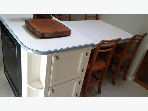 Table Top Dishwasher York : Kitchen island, table and dishwasher North Saanich & Sidney , Victoria