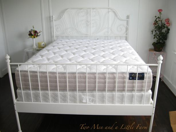 White Metal Bed Queen: FS: IKEA Queen Size White Iron Beautiful Bed Frame Nepean