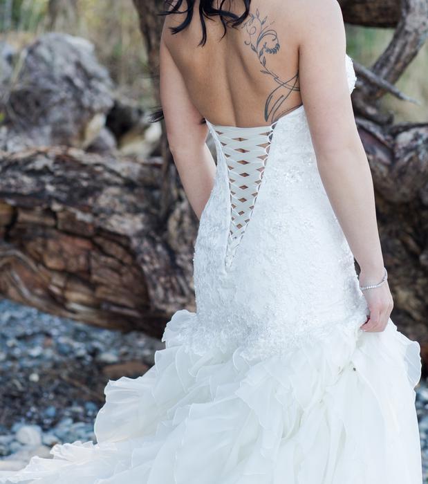 Essence of australia wedding dress victoria city victoria for Used wedding dresses victoria bc