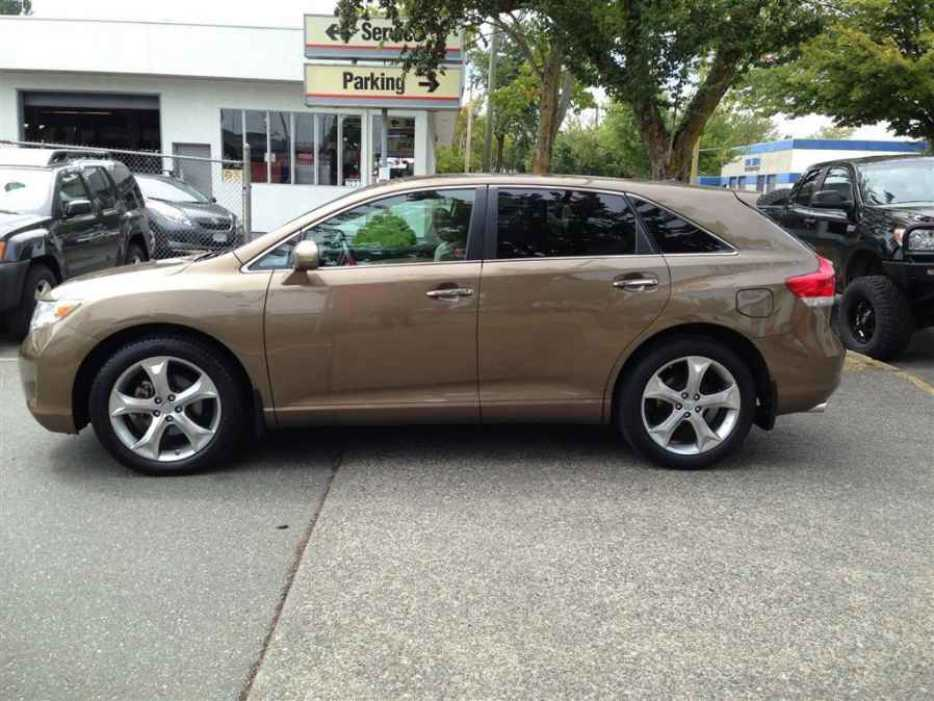 2011 toyota venza outside nanaimo nanaimo mobile. Black Bedroom Furniture Sets. Home Design Ideas