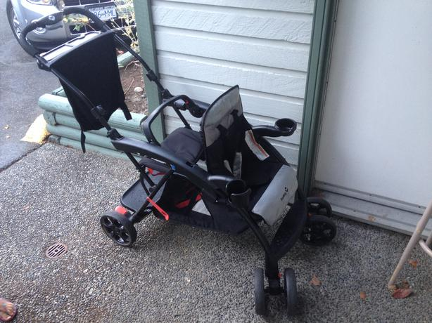 Safety First Double Stroller Esquimalt & View Royal, Victoria