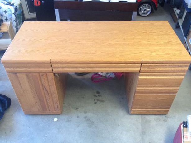 Solid Oak Desk West Shore Langford Colwood Metchosin