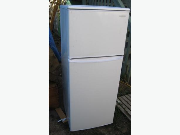 danby 10 0 cu ft apartment size refrigerator freezer. apartment ...
