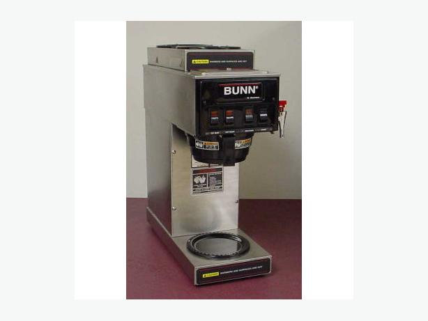 Bunn Coffee Maker Hot Water : BUNN omatic coffee brewer with 3 warmers and a hot water dispenser Esquimalt & View Royal, Victoria