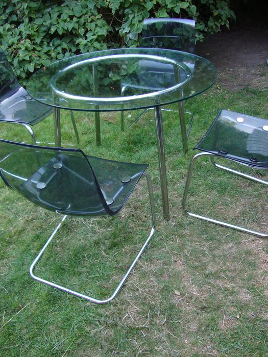 Ikea round glass table and 4 chairs Victoria City  : 40494048934 from www.usedvictoria.com size 525 x 700 jpeg 93kB