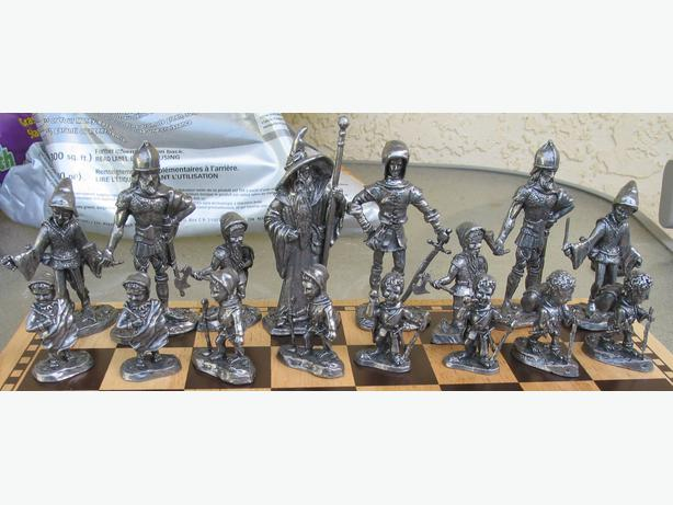 Rare lord of the rings hobbit lotr chess set lead pewter for sale saanich victoria - Lord of the rings chess set for sale ...