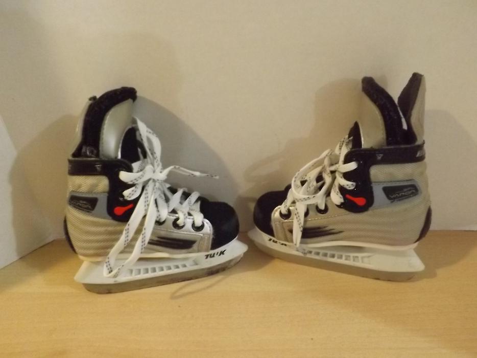 Childrens Toddler Size 8 Bauer Vapor Hockey Skates ...