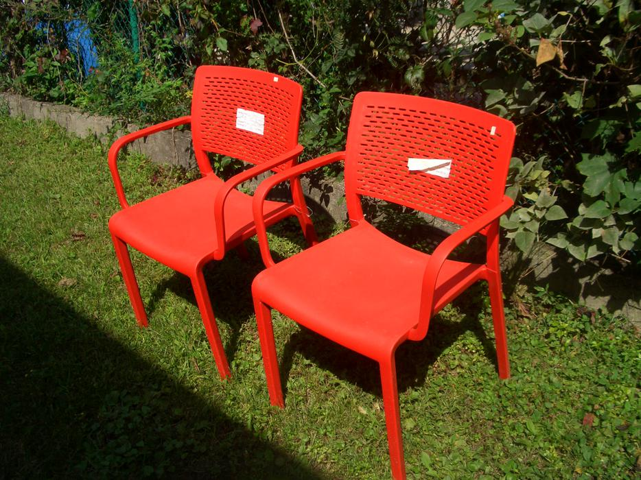 Set Of 2 New Resol Red Plastic Outdoor Chairs Central Ottawa Inside Greenbelt Ottawa Mobile