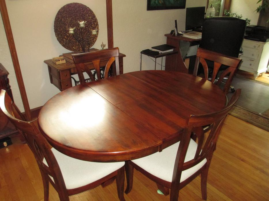 round teak dining room table with 4 chairs esquimalt view royal