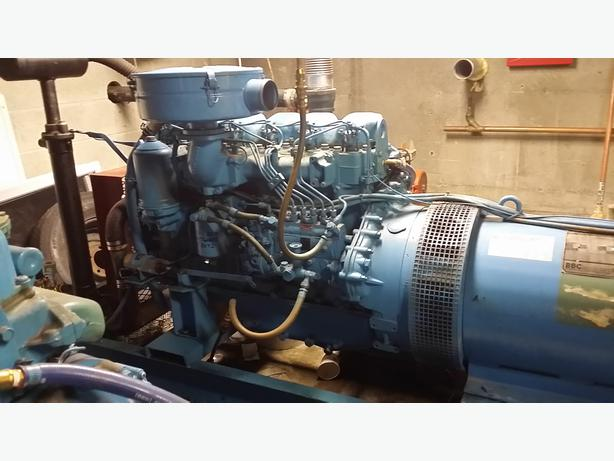 3 phase 75kw generator 200 hours use
