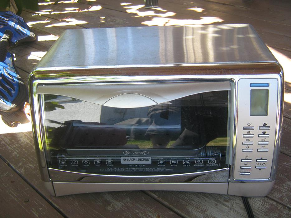 Brand New Black And Decker Toaster Oven Sells At Canadian