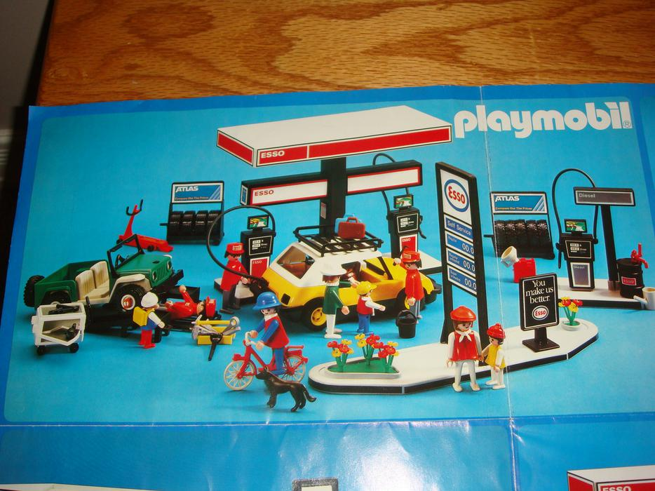 Playmobil vintage 1981 esso station east regina regina mobile - Esso garage opening times ...