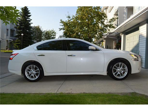 2009 nissan maxima 3 5 sv premium package south west calgary. Black Bedroom Furniture Sets. Home Design Ideas