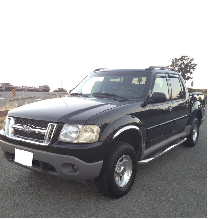 2001 fully loaded 4x4 ford explorer sport trac chrome package much more saanich victoria. Black Bedroom Furniture Sets. Home Design Ideas