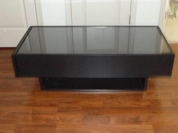 Ikea Ramvik Coffee Table With Glass Protection Cover And 2 Drawers Victoria City Victoria