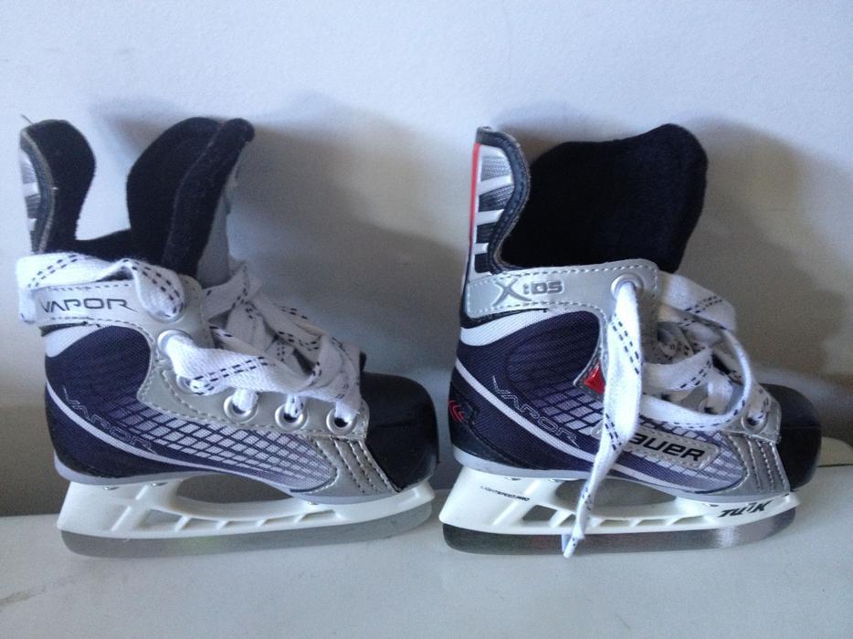 Bauer Hockey Skates - Youth (toddler) 7 & 8 West Shore ...