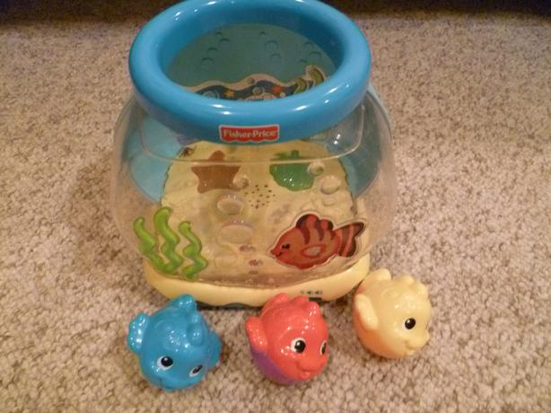 Fisher price ocean wonders musical fishbowl saanich victoria for Fisher price fish bowl