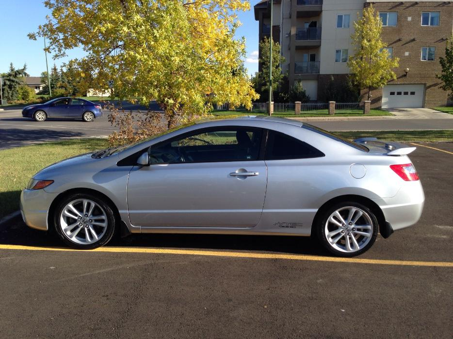 o b o 2006 silver honda civic si coupe for sale winter ready south regina regina. Black Bedroom Furniture Sets. Home Design Ideas