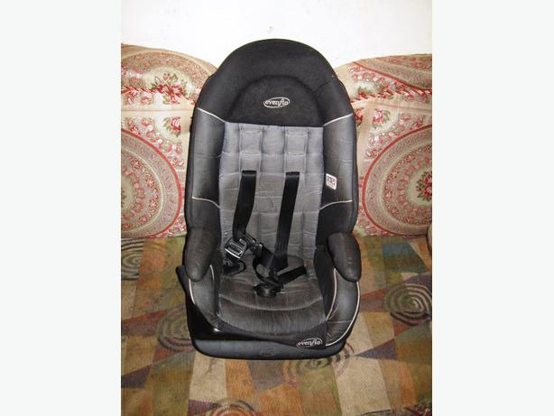 evenflo chase select harnessed booster car seat expires 04 25 2016 central ottawa inside. Black Bedroom Furniture Sets. Home Design Ideas