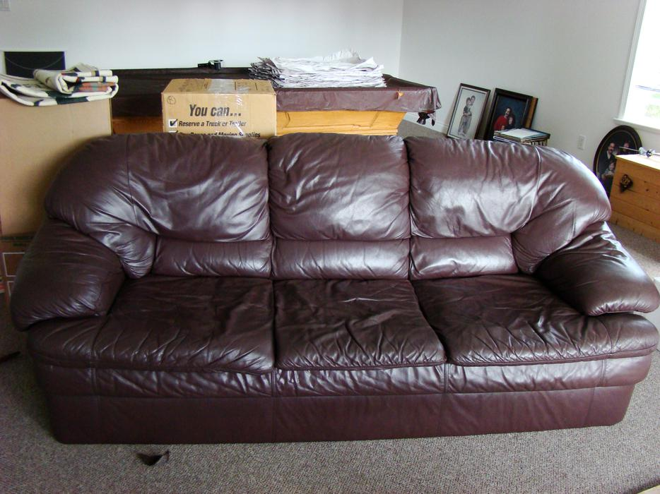 Comfy brown leather couch north saanich sidney victoria for Tan couches for sale