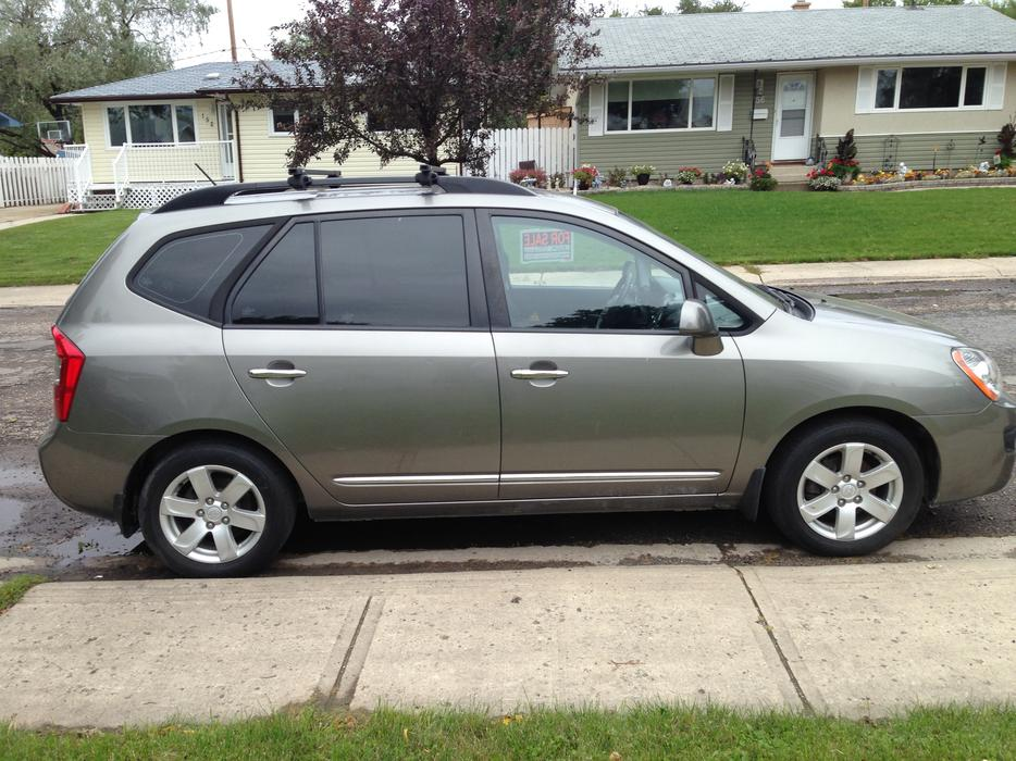 Kia Rondo 7 Passenger Crossover Vehicle South Regina Regina