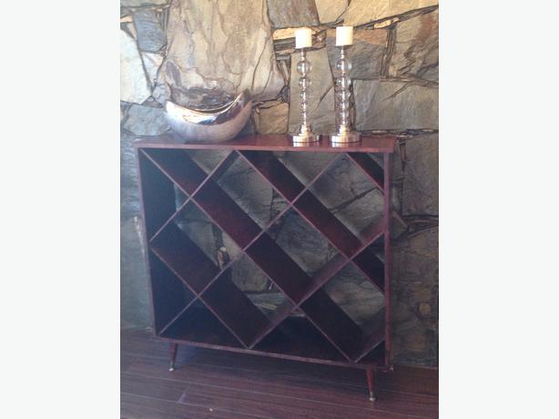 Diagonal Bookcase Shelf Sooke Victoria
