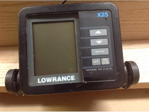 Lowrance x25 fishfinder central nanaimo nanaimo for Used fish finders for sale