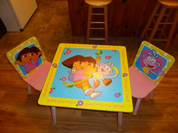 Wooden Dora the Explorer Table and chairs set & Wooden Dora the Explorer Table and chairs set KINGS COUNTY PEI