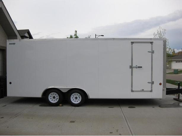 NEW 20' X 8.5' ENCLOSED TRAILERS & XR7 V-NOSE 7' X 16' EXTRA HEIGHT