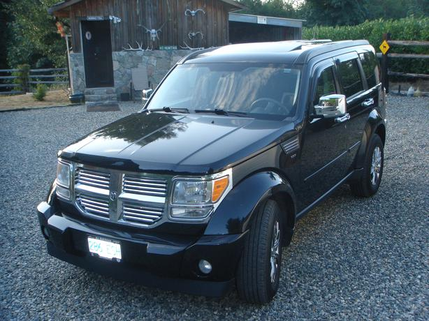 2008 dodge nitro sxt 4x4 outside comox valley comox. Black Bedroom Furniture Sets. Home Design Ideas