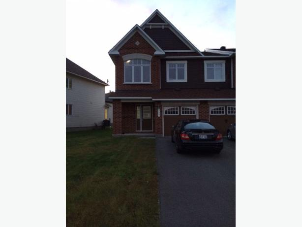 2 bedroom townhouse for rental in barrhaven nepean ottawa Master bedroom for rent guelph