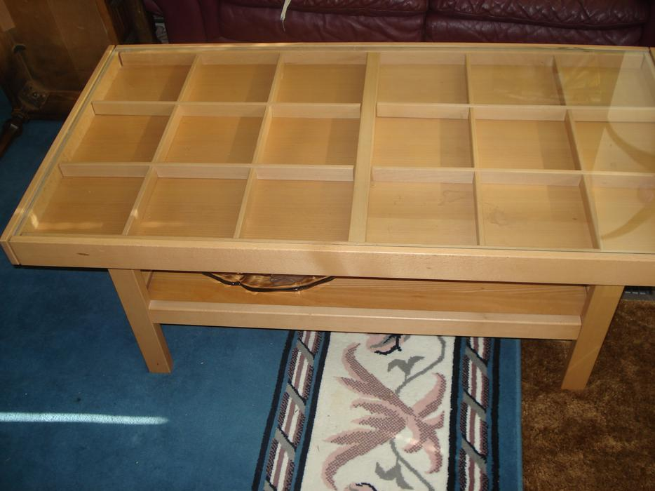 Ikea Glass Top Coffee Table With Section Pull Out Ends Saanich Victoria