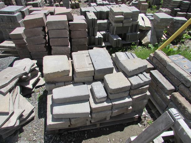 bloc pour mur muret pav uni pierres naturelles et autres gatineau sector quebec ottawa. Black Bedroom Furniture Sets. Home Design Ideas
