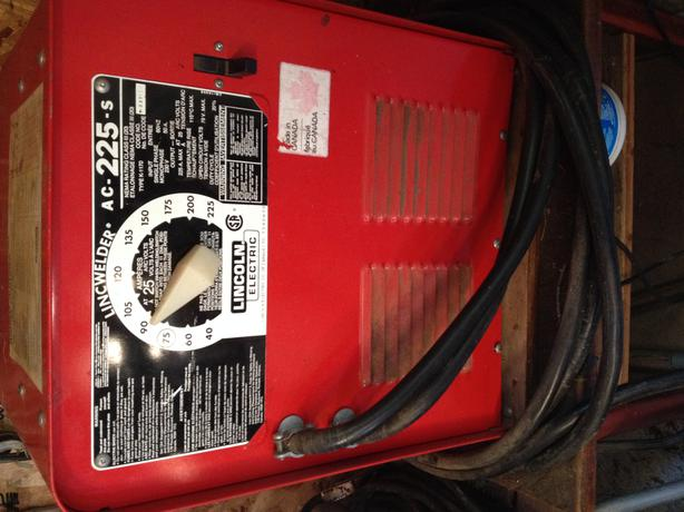 Lincwelder Ac 225 S For Sale 200 Saanich Victoria