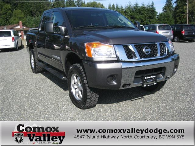 2012 nissan titan sv charcoal outside nanaimo nanaimo. Black Bedroom Furniture Sets. Home Design Ideas