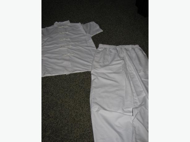 Spa uniforms brand new saanich victoria for Spa uniform amazon
