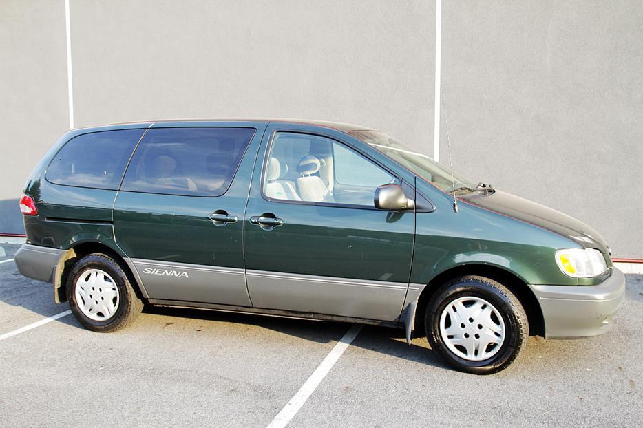 2002 Toyota Sienna Van Ce Victoria 98000km Victoria City