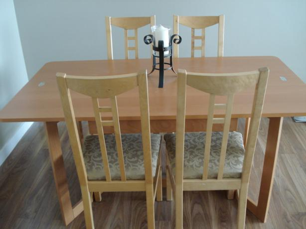 Ikea dining table with 4 chairs victoria city victoria - Ikea dining table with 4 chairs ...