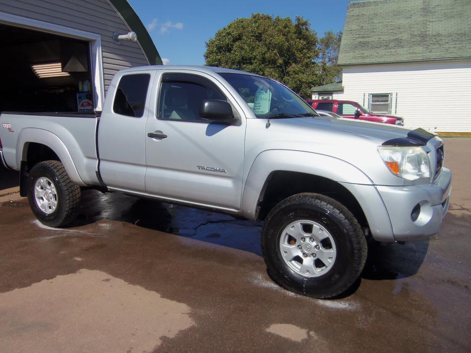 Salmon Arm Toyota >> 2006 TOYOTA TACOMA !! SR-5 !! 4X4 !! LIFTED !! SOLD SOLD ...