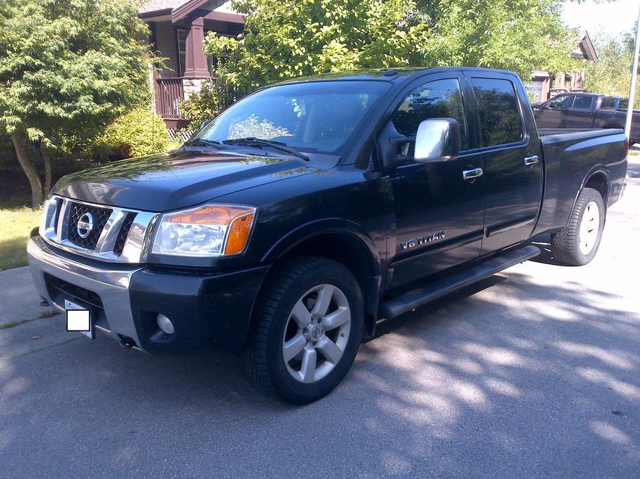 2008 Nissan Titan Crew Cab Le Edition Full Size Truck