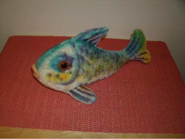 1960 39 s steiff fish flossy in my thrift shop west for Fish thrift store