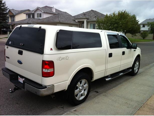white 2007 ford f 150 lariat pickup truck downtown. Black Bedroom Furniture Sets. Home Design Ideas