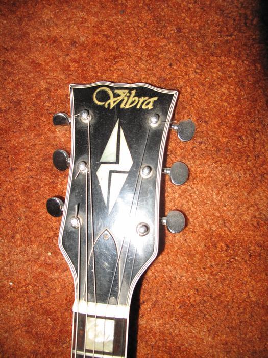 Vibra Quot Les Paul Quot Style Electric Guitar Central Regina Regina