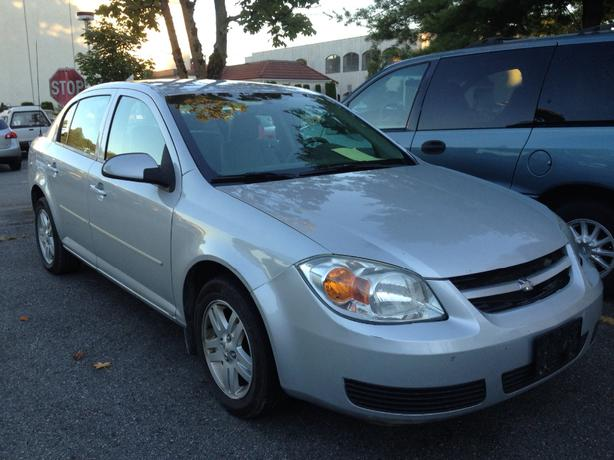 2005 chevrolet cobalt ls selling for 1 000 outside. Black Bedroom Furniture Sets. Home Design Ideas